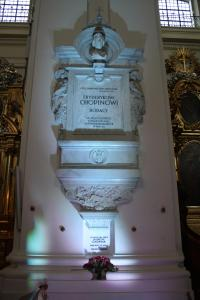 Pillar containing Chopin's heart. Photo by Richard Varr