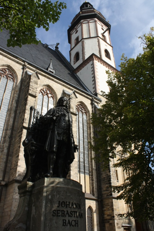 Bach statue, St. Thomas Church. Photo by Richard Varr